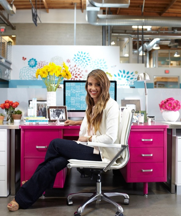 decorating office with jessica alba-sohelee2