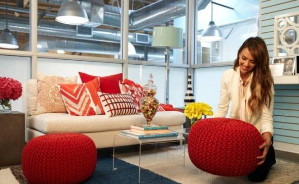 decorating office with jessica alba-sohelee7