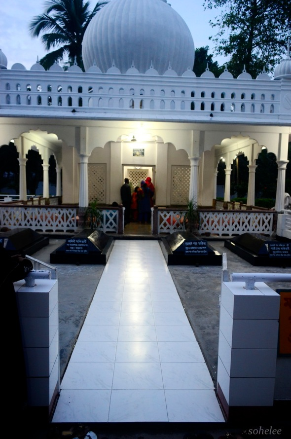 entrance to the mausoleum of lalan shah-cheurria-kushtia-sohelee