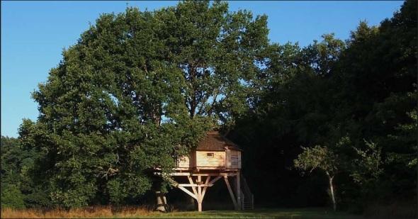 La Cabane Perchée-staying on a tree or island-sohelee2