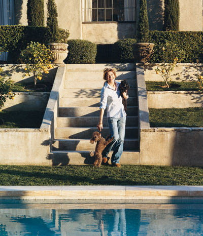 swimming pool-ellen pompeo-celebrities at home-sohelee