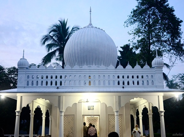 the dome of the mausoleum of lalan shah-cheurria-kushtia-sohelee2
