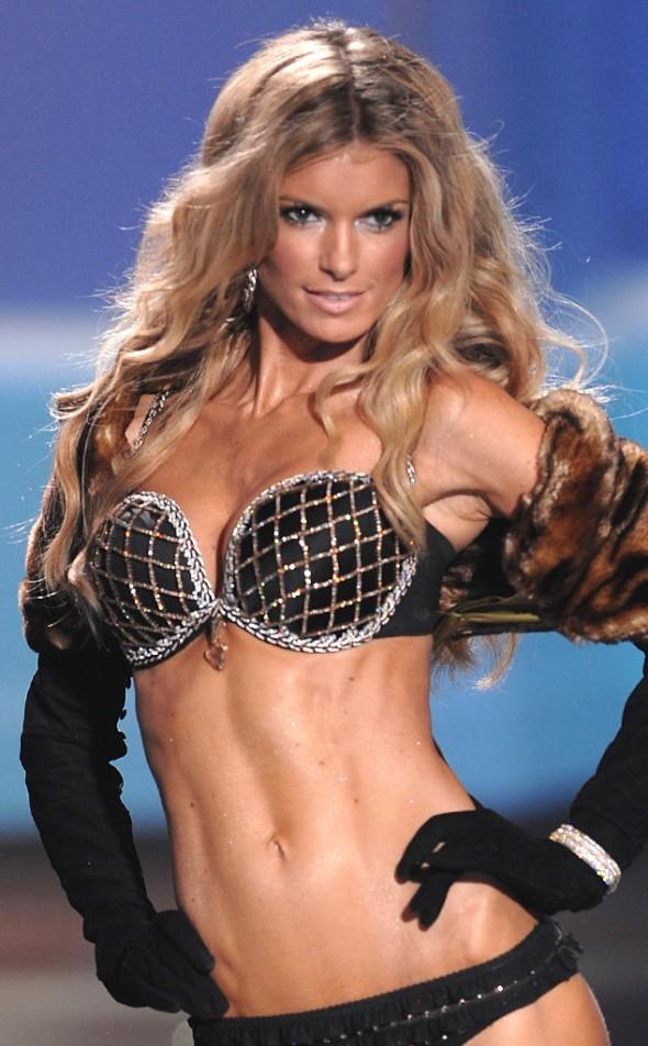 Victoria's Secret Fantasy Bra through the years - Marisa Miller 2009